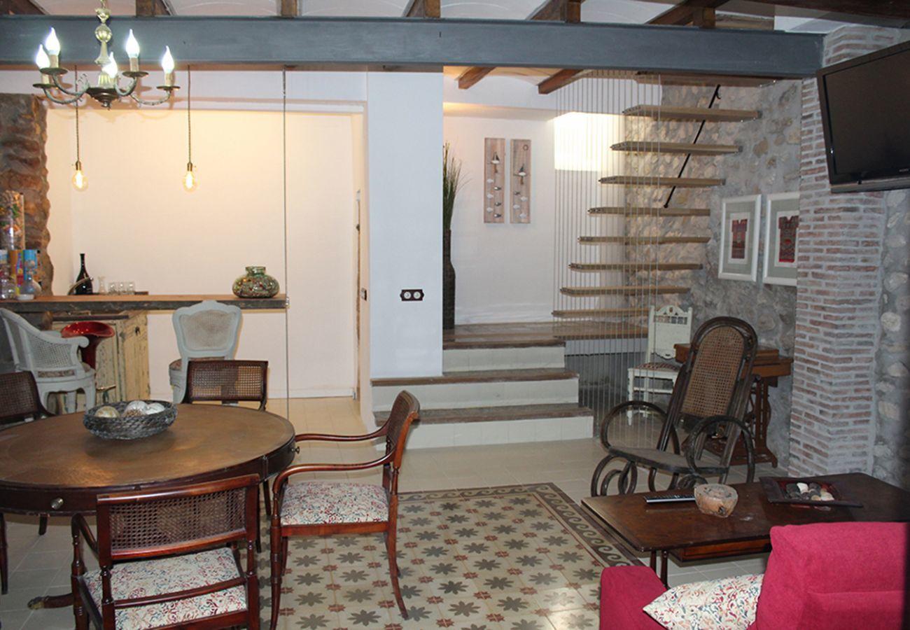 Apartment in Villajoyosa - DUPLEX SUITE - GOUND FLOOR 2 BED. 2 BA. WITH STREET VIEWS