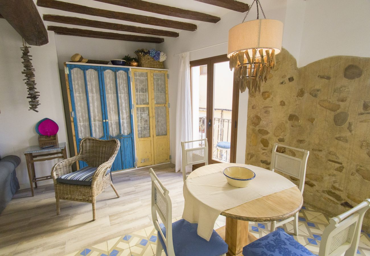 Apartment in Villajoyosa - SUITE APARTMENT - 1 BEDROOM WITH STREET VIEWS